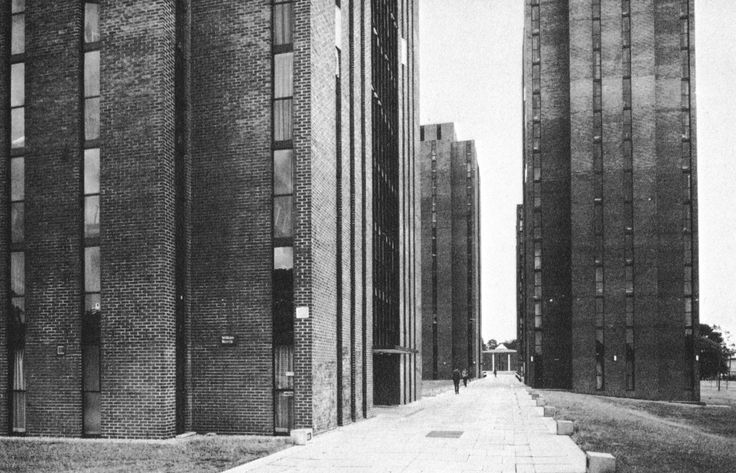 Dormitory Complex, University of Essex, Wivenhoe Park, England, 1963-72    (Kenneth Capon of Architects' Co-Partnership)