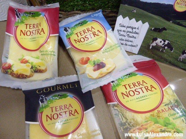 """O que eu gosto de queijo! É daqueles ingredientes que tenho sempre em casa, não falta  A Terra Nostra lançou umPrograma Leite de Vacas Felizes. E o que é isso, perguntam vocês…  """"Este programa é sobre ter o melhor leite. É sobre fazer o bem, para os nossos animais, para o ecossistema,Read More »"""