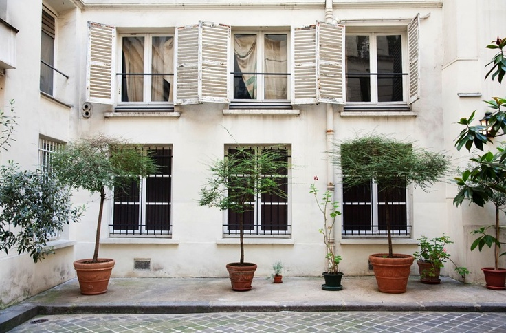 Topiary, windows: Old Shutters, Favorit Place, Pot Trees, Ine De, Dream House, La Fressang, Exterior Styles, Two Birds, Courtyards