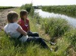 In samenwerking met Landschapsbeheer Flevoland hebben een aantal agrariërs hun bedrijf opengesteld om op hun kavels te wandelen. Informatie hierover kunt u vinden op de website.  Hier vindt u ook beschrijvingen van deze routes. Het boekje `Op de Kuierlatten` is verkrijgbaar bij de VVV.