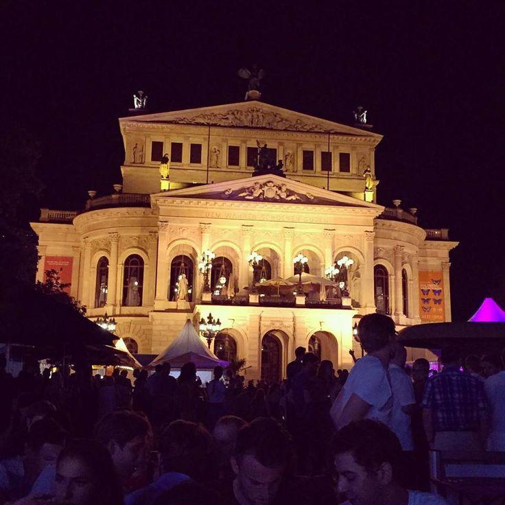 It was fun celebrating the last evening of the Opernplatzfest with you! Thanks for visiting our stand #possmann #jakobjung #Opernplatzfest #afterwork #alteoper #fest #strassenfest #Charlot #apfelwein #wein #wine #drink #fun #friends #summer #frankfurt #glass #germany #travel #instagood #instalike #instadaily #instatravel #architecture #friends