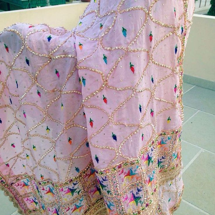 #phulkari #punjabi #pink #embroidery #ethnic