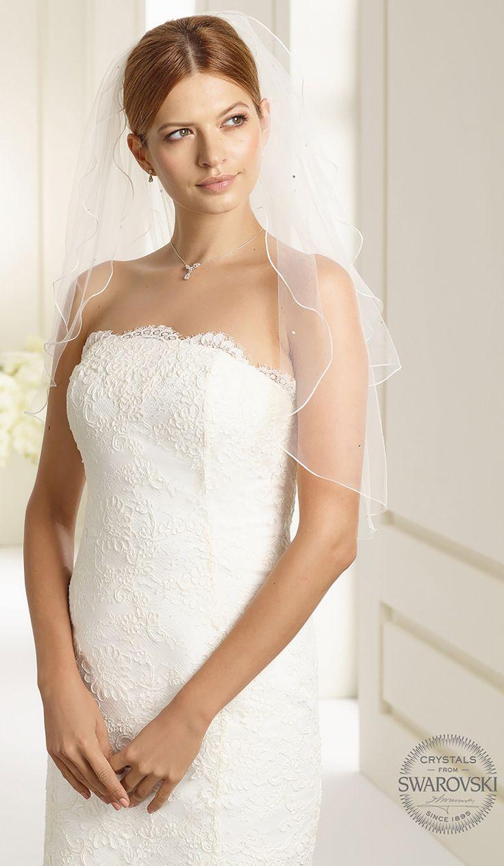 Gorgeous veil S22S from Bianco Evento #biancoevento #veil #swarovski #weddingdress #weddingideas #bridetobe