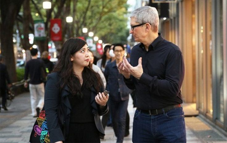 #iladies Apple CEO Tim Cook again touts benefits of AR over VR, says 'no substitute for human contact' #applenews