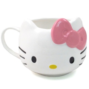 Cute cup: Would be a cute party favor with a cupcake served inside it.