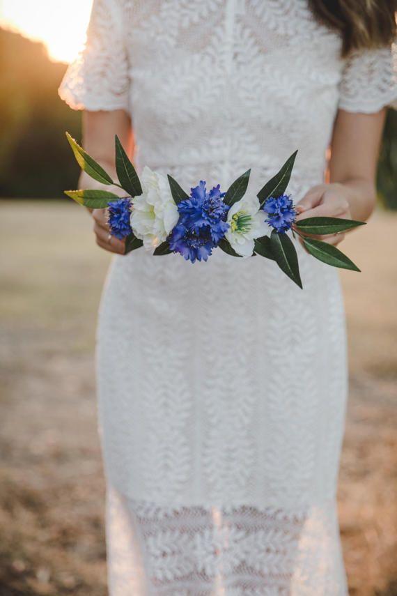 blue and cream flower crown // blue cornflower flower crown / blue white flower crown / wedding flower crown / blue flower crown / headpiece