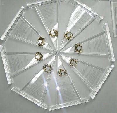 adSymbol Exclusive Gifts: Plexiglass - Award - pyramid - adsymbol