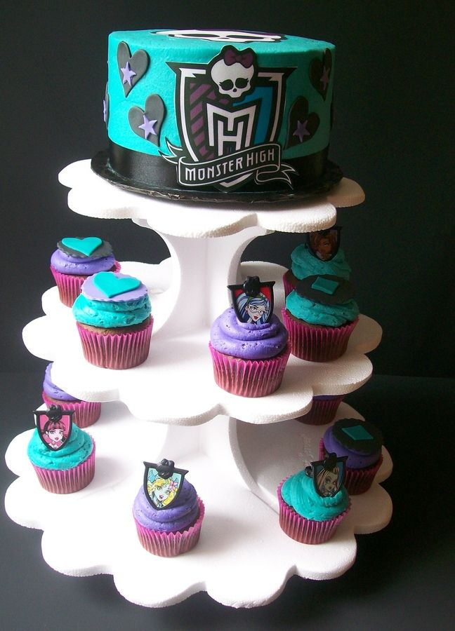 Splendidly displayed Monster High cake and cupcakes
