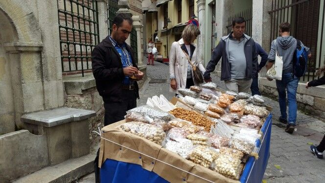 Street Food Istanbul - nuts