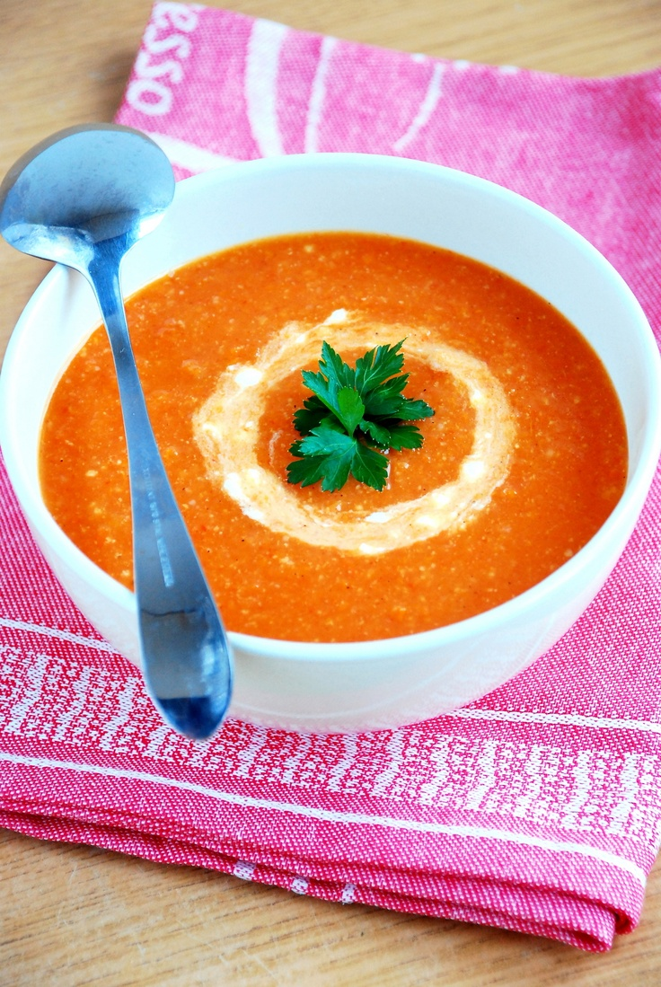 Perfect for winter, warming cream soup with roasted tomatoes, peppers, onions, carrots and millet.