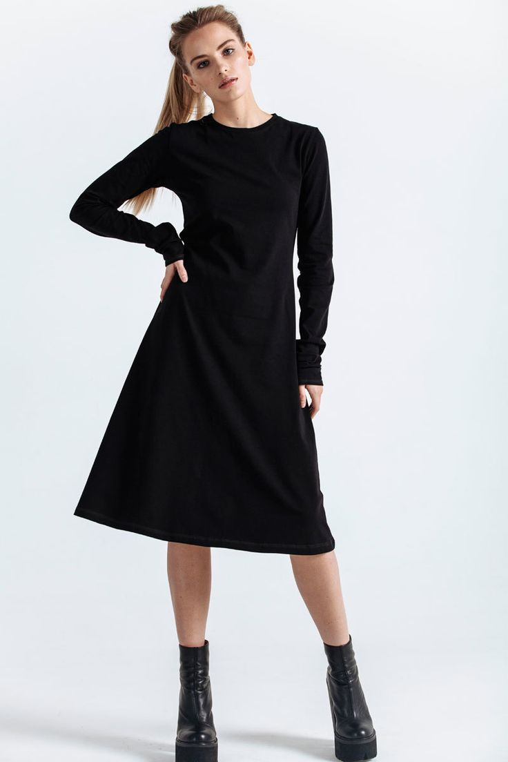 Flared dress, elongated sleeves, round neckline.   #mariashi #fashion #nofilter #outfit #outfitoftheday #outfits #outfitpost #clothes #fashionista #fashiondesigner #shopping
