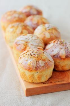 Earl grey and orange zest cupcakes 「アールグレイとオレンジピールのふんわりブレッド」あいりおー   お菓子・パンのレシピや作り方【corecle*コレクル】