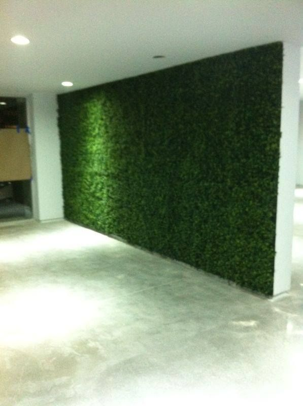 Muro verde con follaje artificial proyectos pinterest for Muro verde artificial