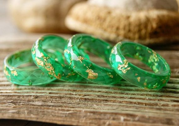Green Resin Ring Resin Stacking Ring Resin Rings Faceted Minimalist Ring Geometric Jewelry Green Gold Flakes Jewelry Metallic Flakes Ring