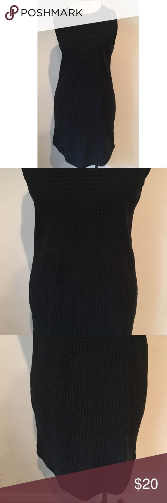 GAP Crochet Black Shift Dress Size Medium In great condition - only worn a few times! Please let me know if you have any questions.   Measurements:  Underarm to underarm: 19inches  Length: 34 inches GAP Dresses