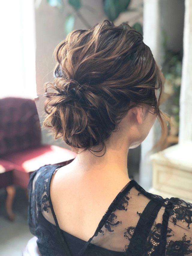 結婚式に呼ばれたら美容院に行かなくてもできるセルフアレンジ7選 結婚式 ヘアスタイル お呼ばれ ウェディング ヘアスタイル 結婚式 ヘアスタイル お呼ばれ ロング