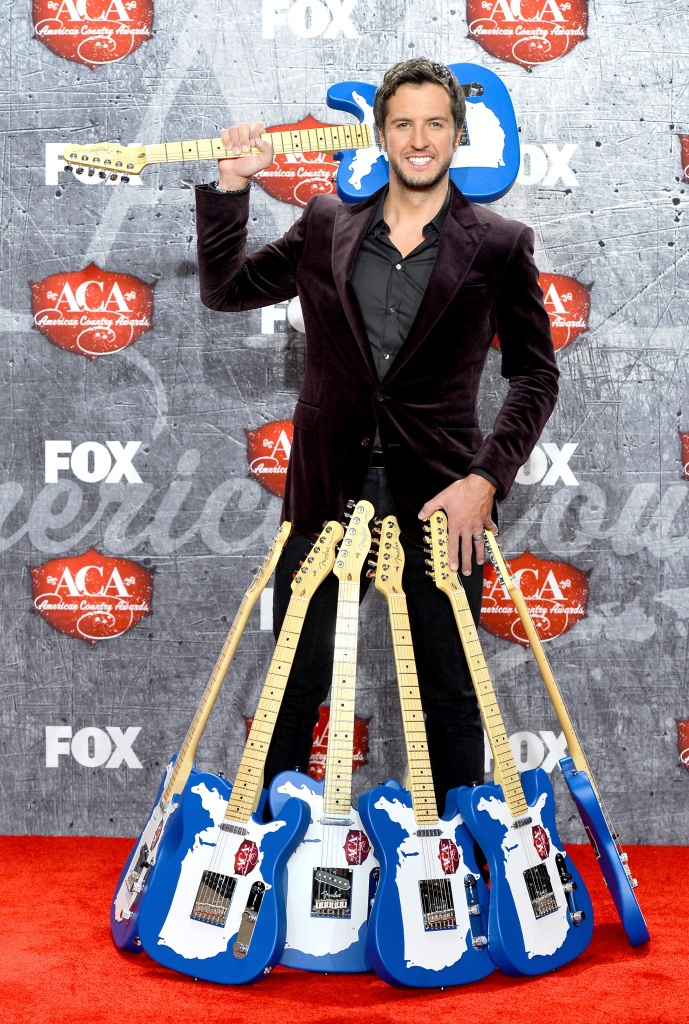 Luke Bryan, LAS VEGAS, NV - DECEMBER 10: Singer Luke Bryan poses in the press room after winning multiple awards during the 2012 American Country Awards at the Mandalay Bay Events Center on December 10, 2012 in Las Vegas, Nevada. (Photo by Frazer Harrison/Getty Images), 2012 Show & Events