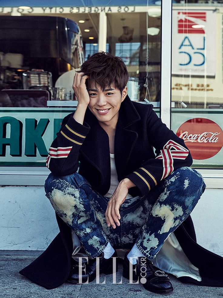 """""""park bogum x elle korea (2016.12)""""1000 x 1334"""" """"-- I mean I really  love his smile, but the shoes he wore......"""