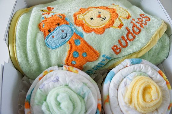 Know someone expecting? Check out cute diaper cupcake gift sets from 3littlechirps! Http://3littlechirps.com