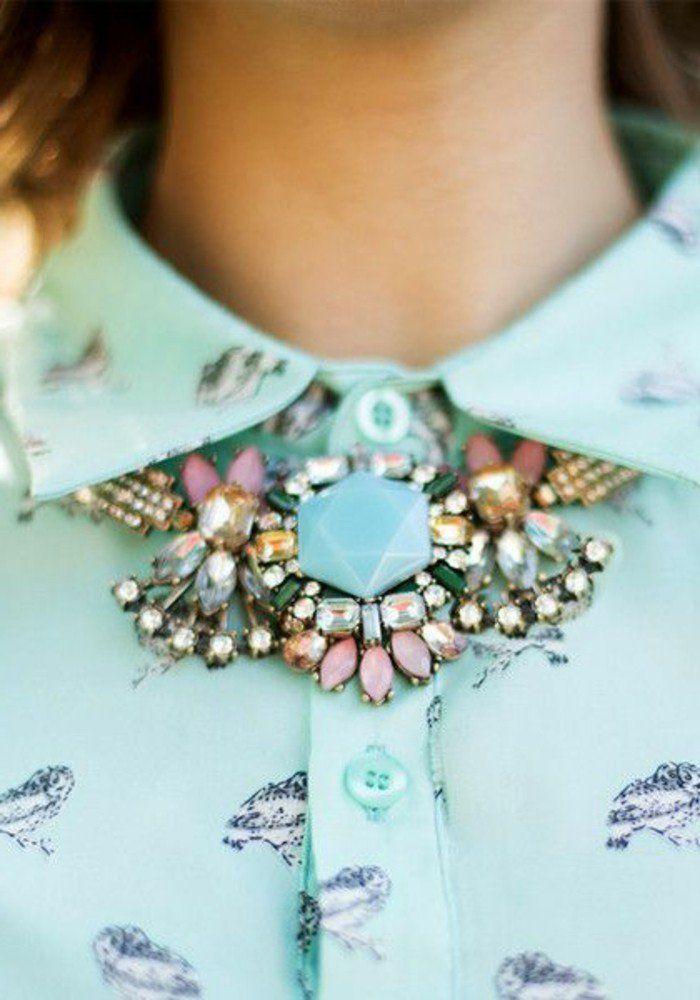 comment porter le collier plastron pas cher en bleu clair