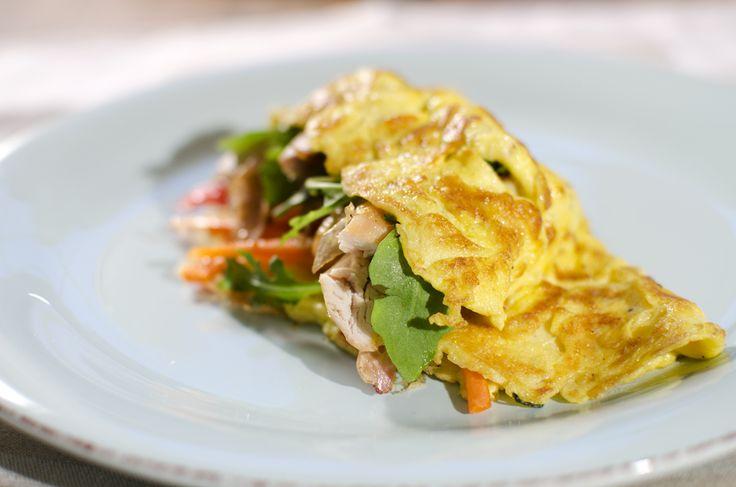 fylt omelett med kylling, gulrot og paprika 2