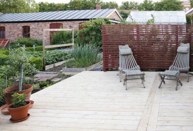 Bygg uteplats med organiserad Wood