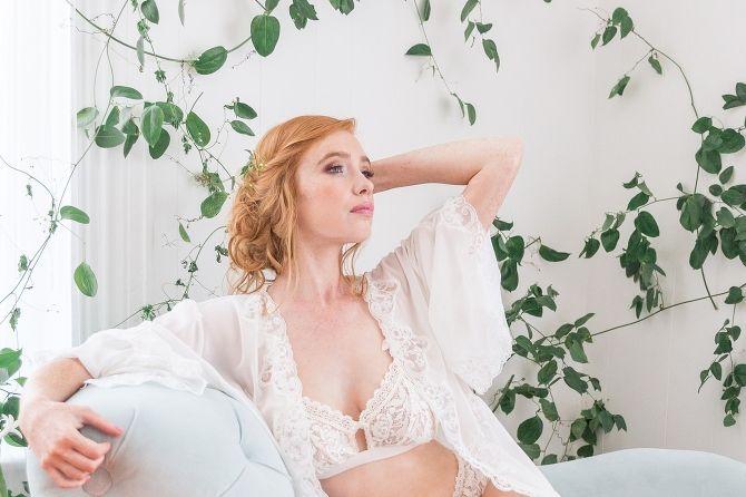boudoir-collective-fine-art-boudoir-blog-and-magazine-jaa-studios-wedding-morning-boudoir-19