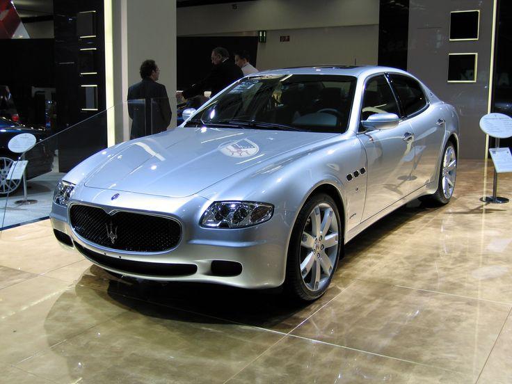 Silver Maserati Quattroporte 3