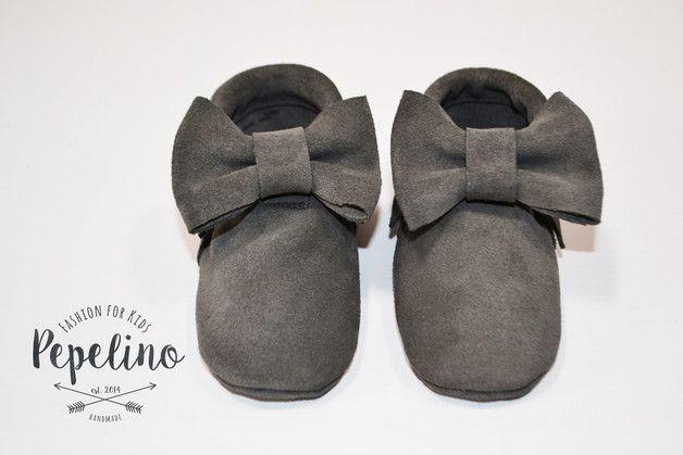 Pepelino´s Baby-Mokassins  Das tatsächliche Leder ist ein bisschen heller als auf dem Foto!!!  sind aus öko-zertifiziertem Nubukeder gefertigt und lassen das Outfit deines Babys zum Hingucker...