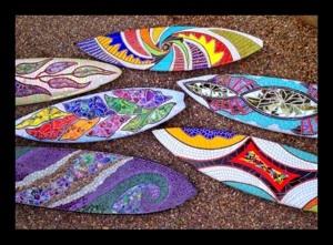 Garden glass art! Surfs up!: Glass Surfboards, Mosaic Glass, Mosaics Shapes, Surfboard Mosaics, Mosaiced Surfboards, Mosaic Surfboards, Surfboard Art, Mosaic Designs