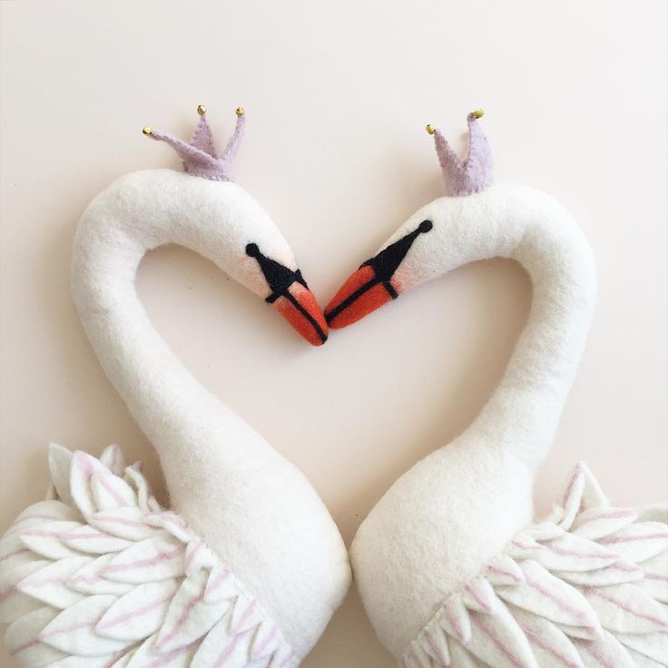 """...and they are back! can't keep them long enough in stock...the bestselling swan wall decors are in the shop now. #sewfeltheart #walldecor #minikin"""