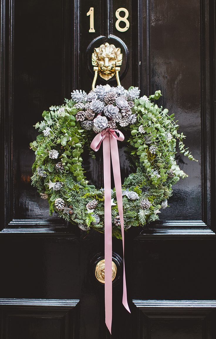 Outdoor Christmas Decorating | Wreaths