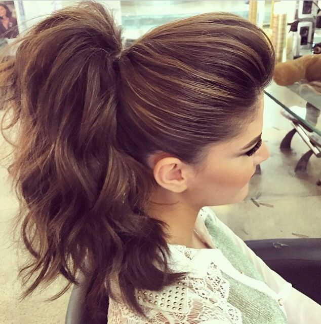 Hairstyles For Short Hair Using Bumpits : 1000+ images about hair on Pinterest Updo, Short hair updo and Curls