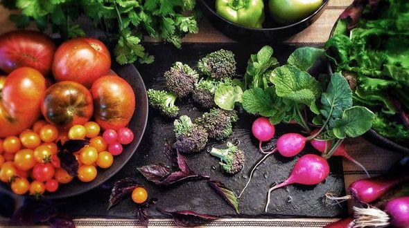 La presión arterial alta (o hipertensión) podría reducirse alterando su dieta. Estos son los alimentos que añadir a su lista de compras. Una de las causas de la presión arterial alta es una dieta pobre – pero el cambio de los alimentos que usted come también podría ayudar a aliviarlo. Los alimentos salados, por ejemplo, ...