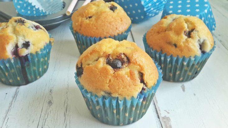 Összedobálós süti: áfonyás-csokis muffin #recept #muffin #áfonya #csokoládé