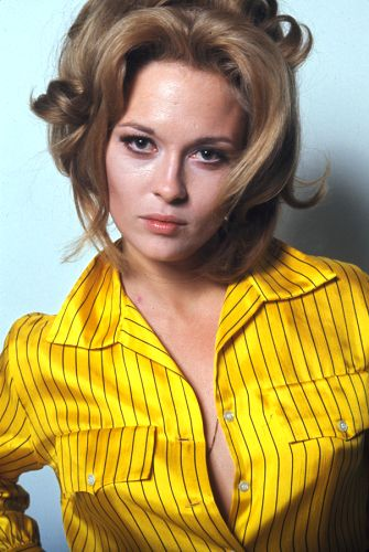 Faye Dunaway / Actress / Color Photography by Jerry Schatzberg