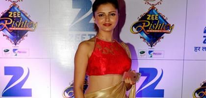 Actress Rubina Dilaik in Sleeveless Halter Neck Saree Blouse Designs Pattern Latest Photos Go to page: http://www.nrigujarati.co.in/Topic/4228/1/actress-rubina-dilaik-in-sleeveless-halter-neck-saree-blouse-designs-pattern-latest-photos.html
