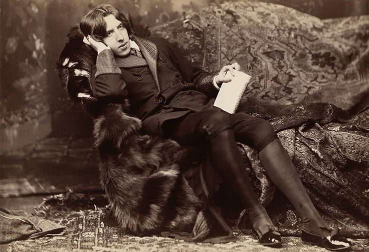 Вдохновляющие цитаты от хранителя мудрости Оскара Уайльда http://kleinburd.ru/news/vdoxnovlyayushhie-citaty-ot-xranitelya-mudrosti-oskara-uajlda-2/  16 октября ровно 162 года назад родился выдающийся гений литературного мастерства Оскар Уайльд — известный каждому драматург, прозаик, поэт, критик. Ирландец по рождению, именно он становится одним из известнейших писателей Англии. Ведь именно в оксфордском колледже Магдалины рождается тот самый Уайльд: остроумный, красноречивый, мудрый, не…