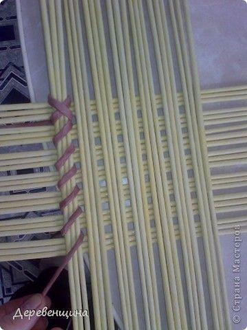 Поделка изделие Плетение Идея  Не моя  Бумага газетная Трубочки бумажные фото 2::