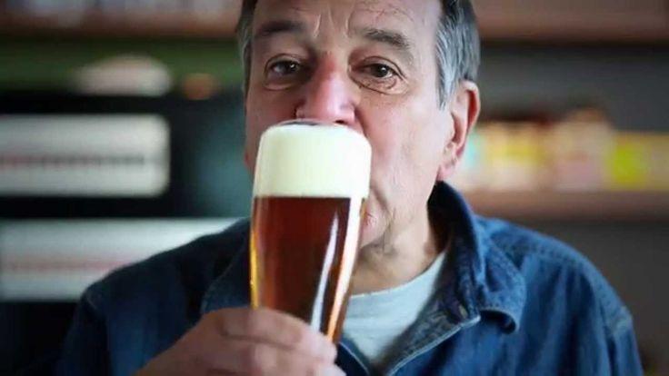 Introducing Samuel Adams HeliYUM  ja ja ja ja vean lo que sucede cuando mezclan helio con una cerveza ja ja ja ja