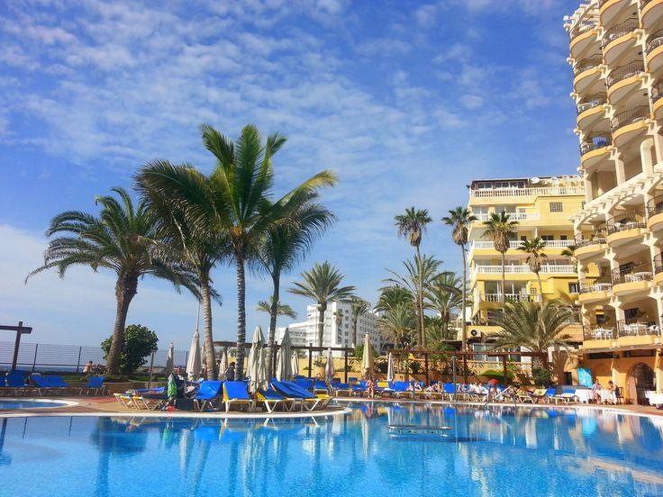 'Der Pool an Weihnachten' aus dem Reiseblog 'Über Weihnachten auf den Kanaren: Urlaub im Dorado Beach auf Gran Canaria'