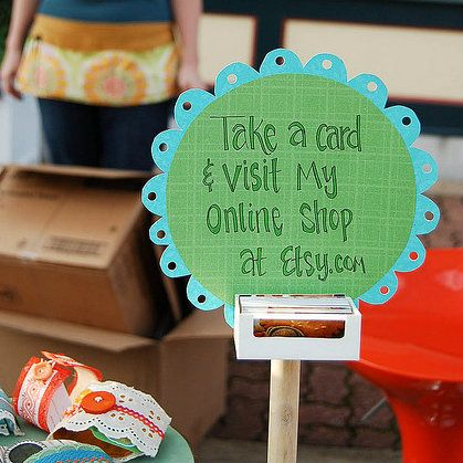 Craft Booth Display Ideas | craft-show-booth-ideas.jpg  I like this,...draws attention to the card but not away from the table