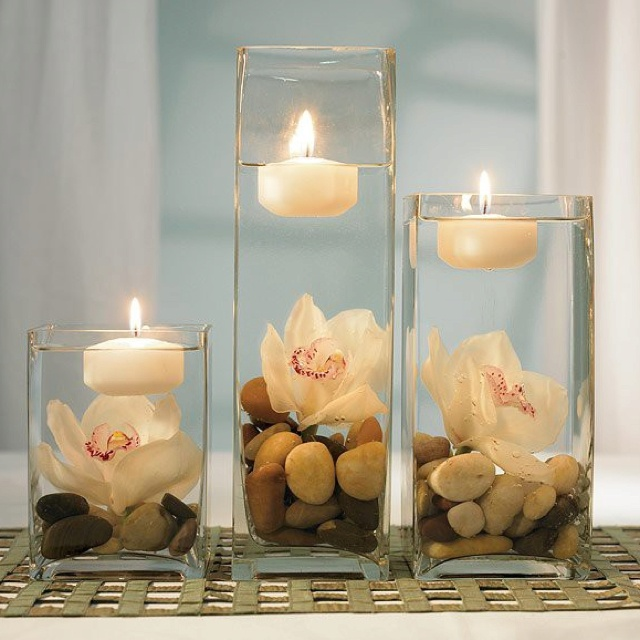Candels and flowers