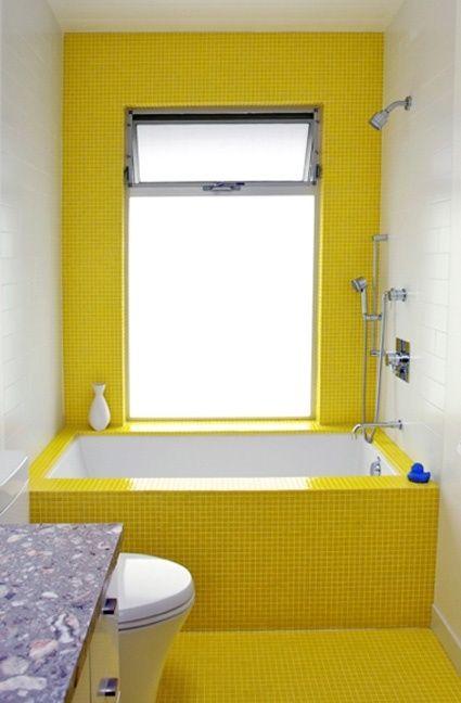 Denne flotte gule farve er opkvikkende til morgenbadet. Den kan fx males på væggen over badekarret.