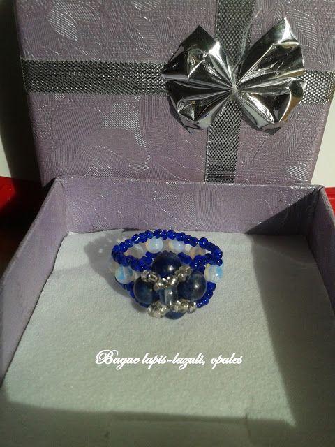 L' Atelier de Sweetnini: bague avec des opalines, des perles de rocaille et des lapis-lazuli