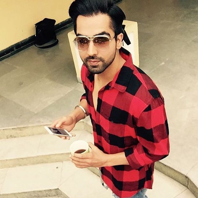 Hardy Sandhu Dashing look