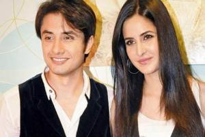 There have been many filmmakers and actors paying visit to the divine Ajmer Sharif Dargah for their success and for promotion of their movie. Yesterday the heartthrob of Bollywood Katrina Kaif visited dargah along with Ali Abbas Zafar at around 6:30 am.    Read More : http://www.musicmaza.com/news_1589.html