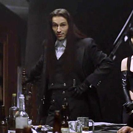 Michael Wincott - but only well dressed with long hair and a sword. Haha