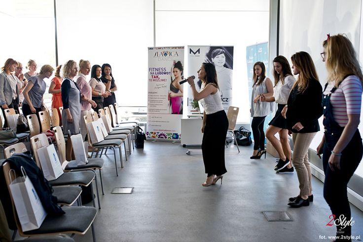 """Eventy: Relacja z wydarzenia Business Woman - Sukces Tworzą Kobiety - http://kobieta.guru/relacja-z-wydarzenia-business-woman-sukces-tworza-kobiety/ - 10 maja, w Olivia Business Centre w Gdańsku, odbyła się konferencja stworzona dla kobiet pt.""""Business Woman - SUKCES TWORZĄ KOBIETY"""". Kobieta.Guru, jako patronat medialny spotkania, wzięła udział w tym wydarzeniu.   Ponownie nasz portal miał zaszczyt patronować medialnie kobiecemu wydarzeniu. """"Business Woman - SUKCE"""