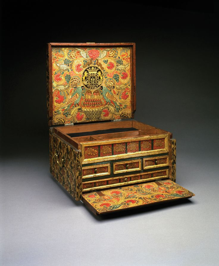 Portable writing desk, about 1684. The Hispanic Society of America, New York.